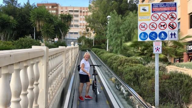 Rolltreppe als Aufstiegshilfe